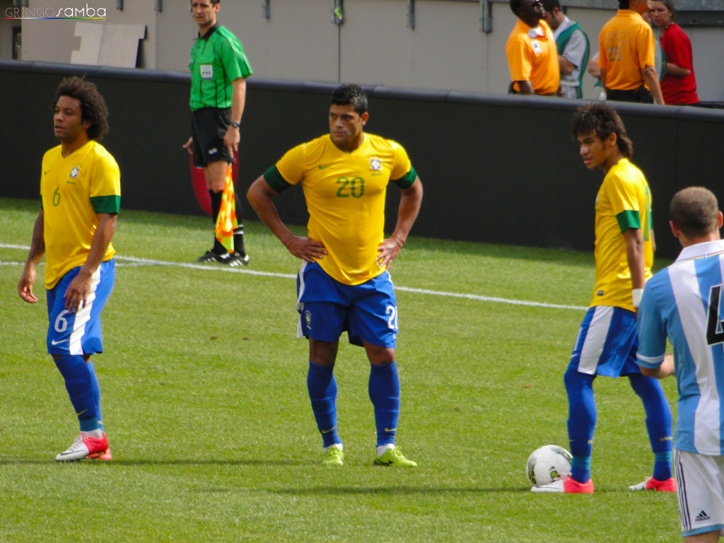 Neymar-and-Hulk-Gringo-Samba-Tours-of-Brazil